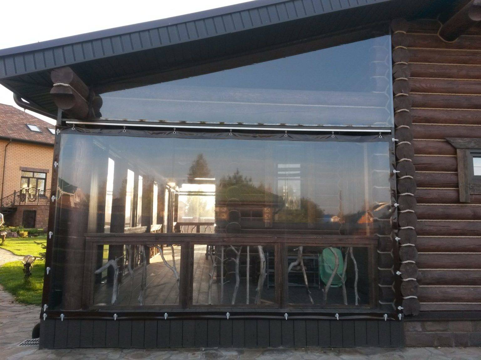 Мягкие окна для беседки (32 фото): шторы из пвх, как сделать своими руками, прозрачная пленка и гибкое стекло