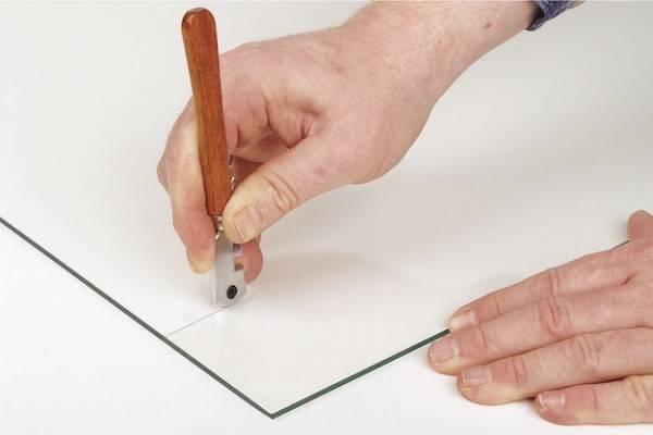Как выбрать стеклорез - принцип действия и грамотная раскройка стекла