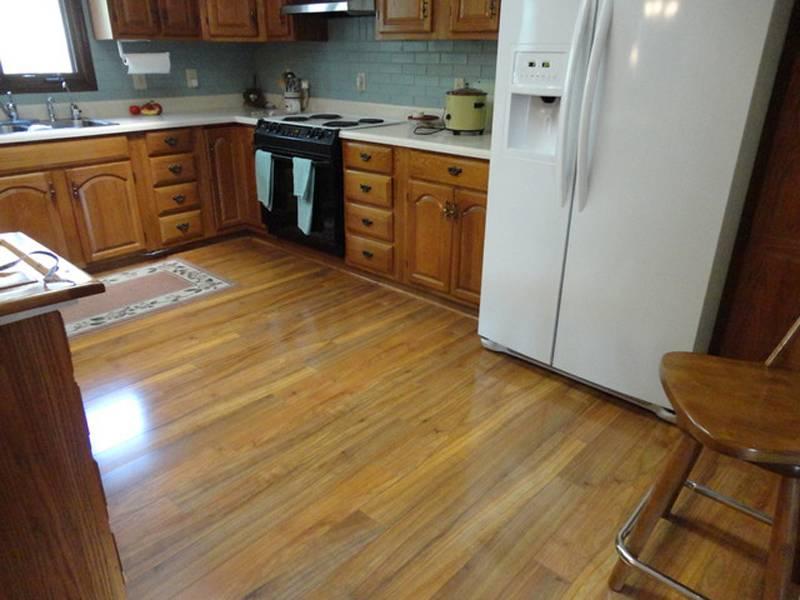 Какой линолеум выбрать для кухни, какой класс, цвет – фото