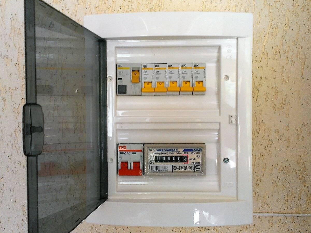 Шкаф электрический уличный всепогодный, плюсы и минусы моделей