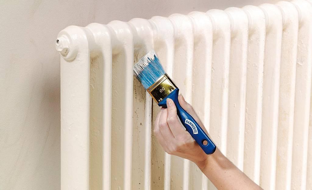 Краска для батарей отопления какую лучше выбирать - полезные советы,как покрасить батарею,какая краска для радиаторов лучше, жаростойкая,акой краской красить батареи,радиаторная,акриловая,без запаха,эмаль алкидная.