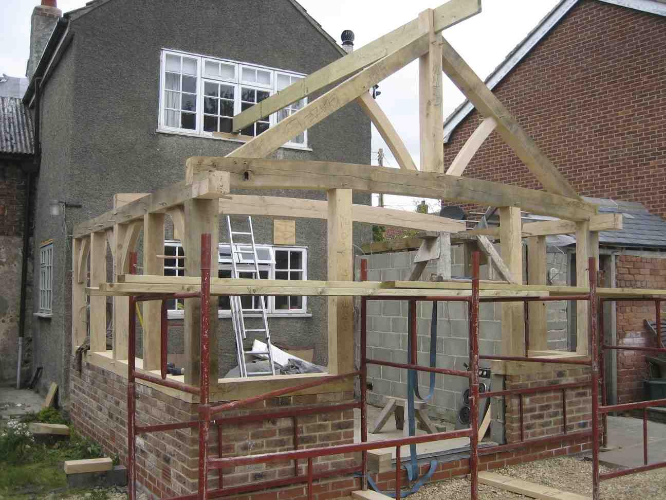 Веранда своими руками из дерева - пошагово: конструкция из бруса для кирпичного дома и деревянной избы, проекты брусового строения с верандой