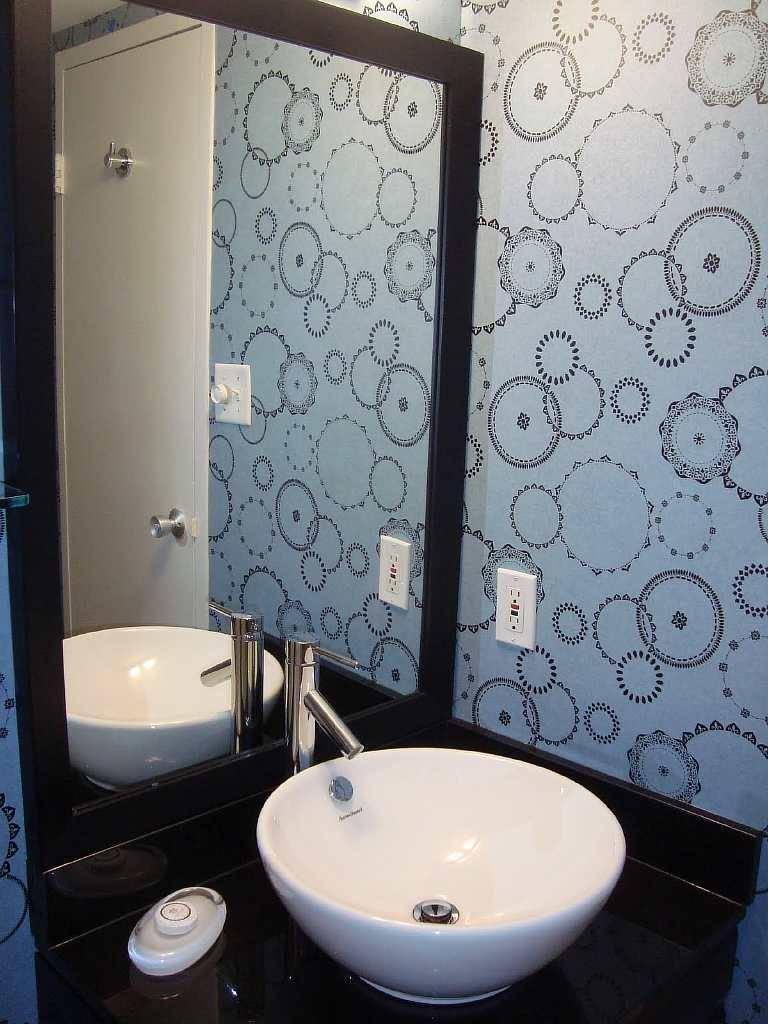 Обои для ванной комнаты: моющиеся, жидкие, стеклообои