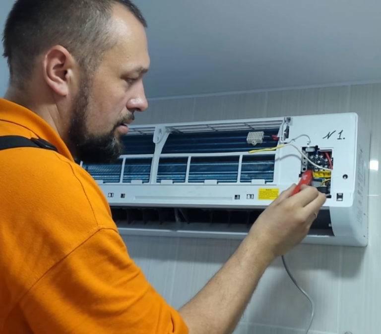 Обслуживание кондиционеров москве. чистка  и заправка кондиционеров