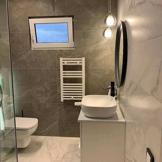Зачем окно между кухней и ванной? для чего делали пластиковое окно и как его заделать? как задекорировать или убрать окно между туалетом и кухней?
