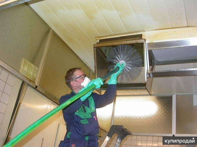 Как не увязнуть в жире: чистим вентиляцию и вытяжку на кухне