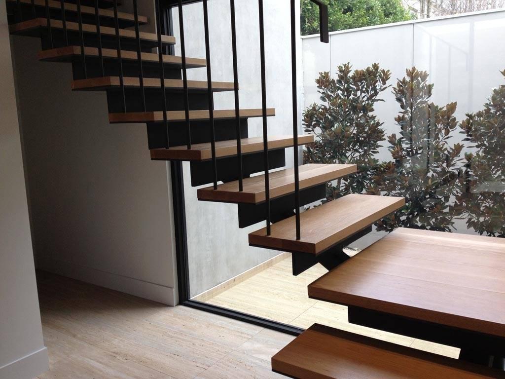 Какая лестница лучше — бетонная, деревянная или металлическая?