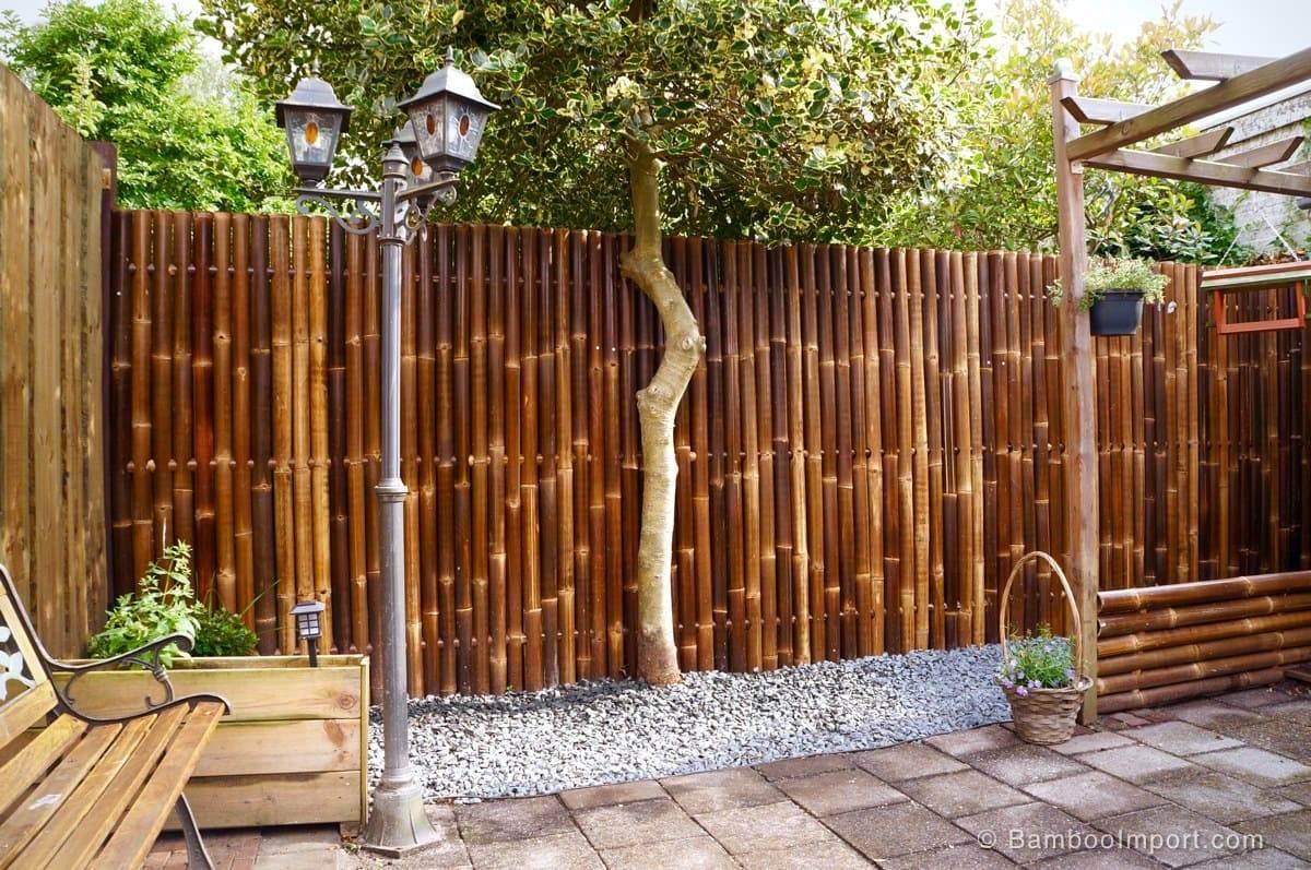 Красивые деревянные заборы для частных домов: фотогалерея лучших видов конструкций из дерева