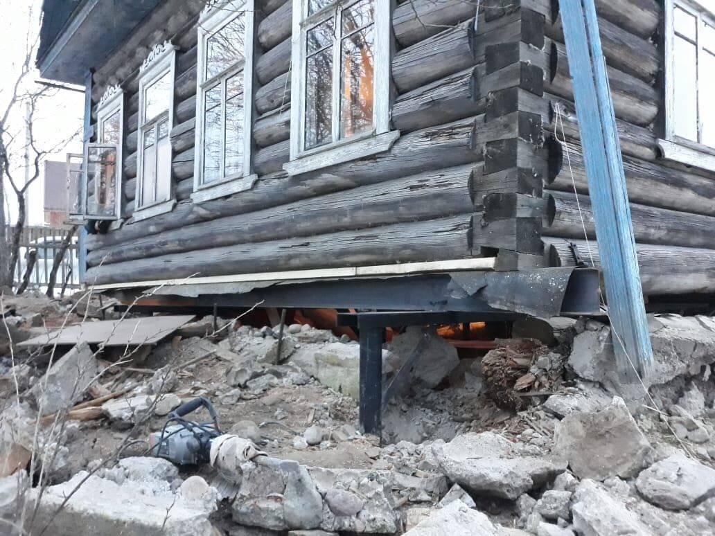 Замена нижних венцов деревянного дома своими руками - инструкция с видео