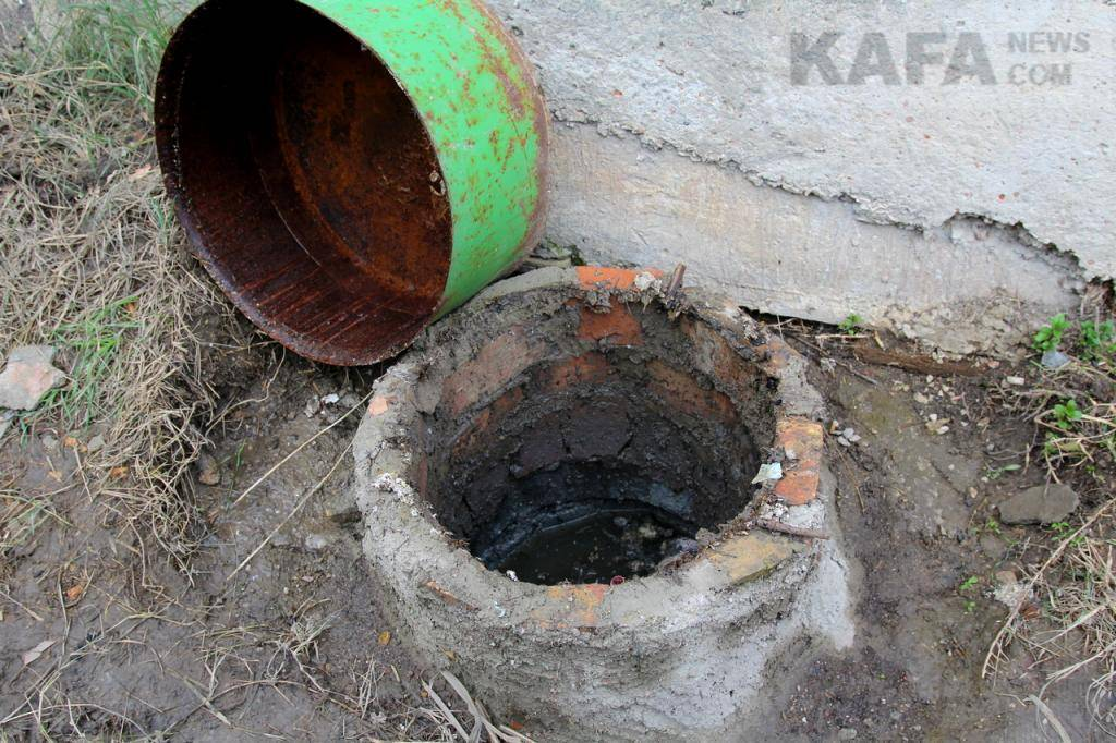 Куда обратиться с жалобой при сливе канализации от соседей