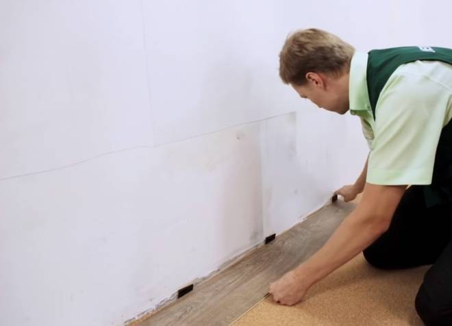 Укладка ламината на стену - варианты + пошаговая инструкция!