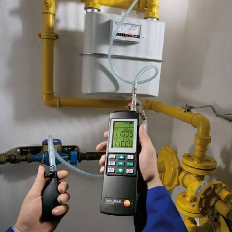 Каким давлением опрессовывают систему отопления?
