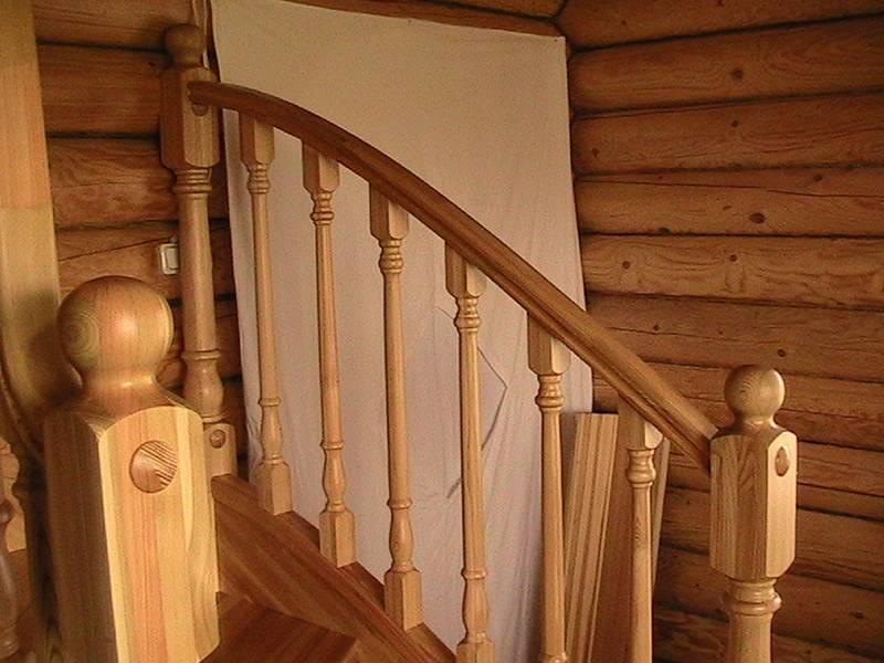 Установка балясин на деревянную лестницу
