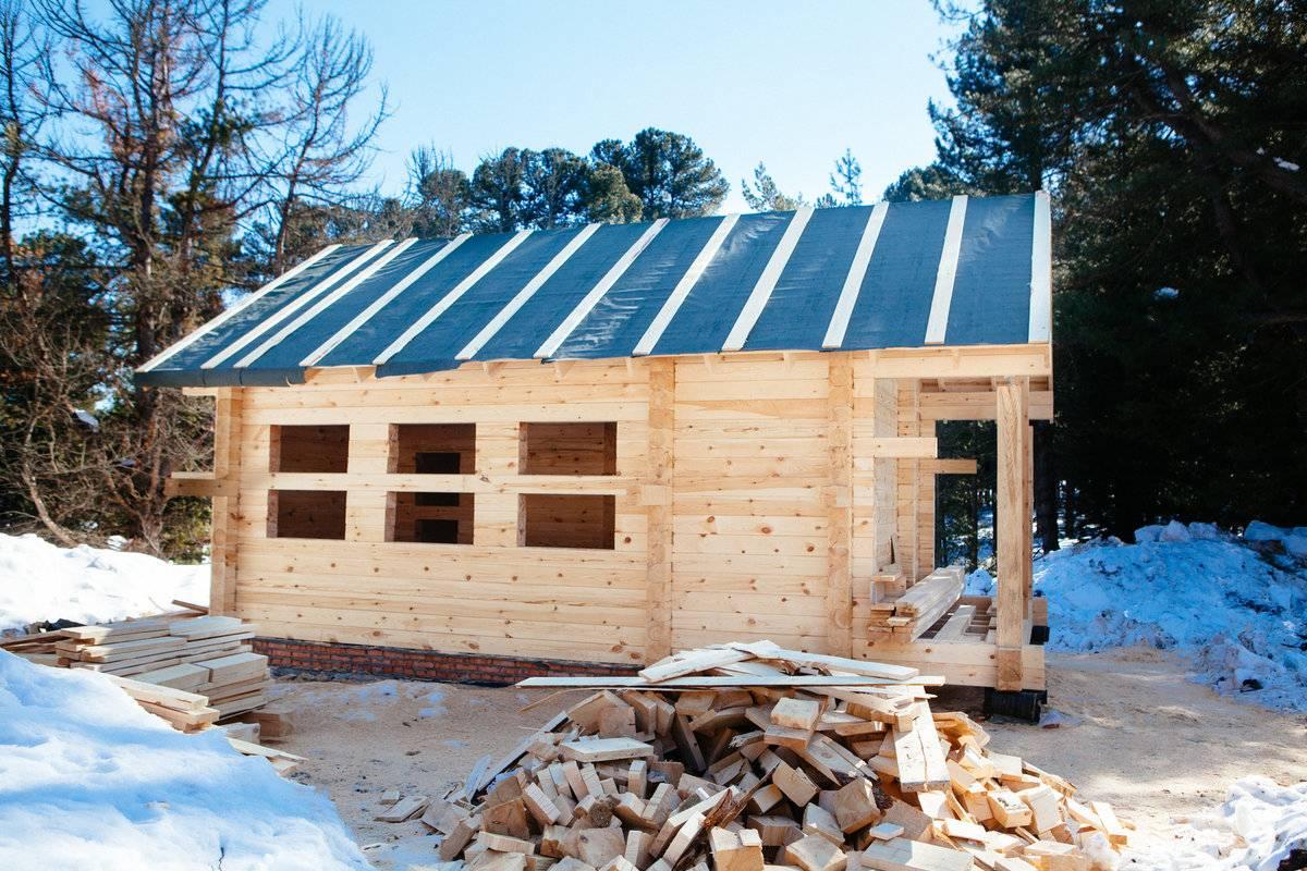 Из чего построить баню: определяемся с материалом