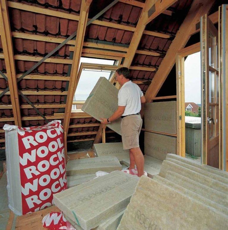 Утеплитель для мансардной крыши: как выбрать и какой лучше, фото