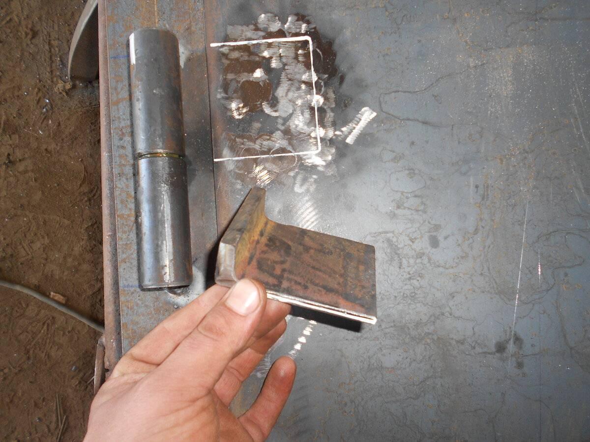 Как правильно приварить петли на металлическую дверь - всё о воротах и заборе