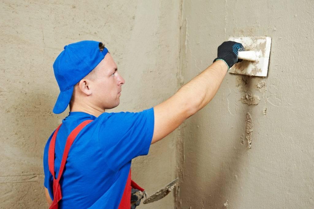 Какую штукатурку выбрать для выравнивания стен — гипс или цемент