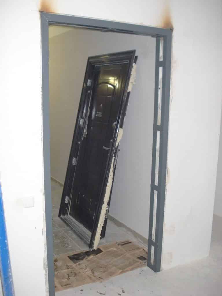Установка входных дверей своими руками: фото, видео инструкция установка входных дверей своими руками: фото, видео инструкция