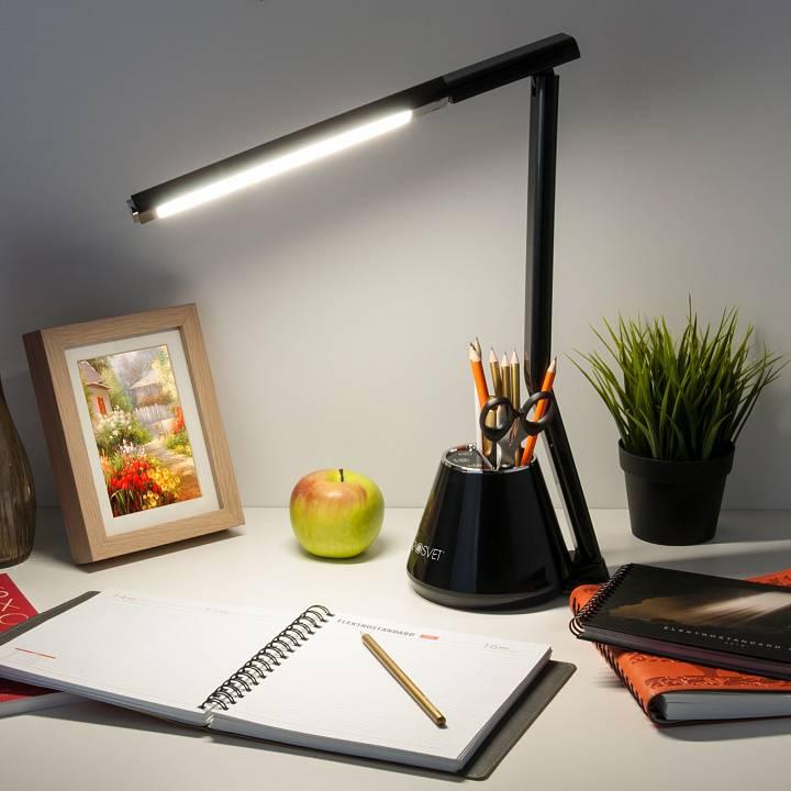 Настольные светильники для компьютерного стола: советы по выбору