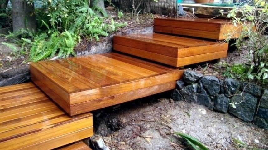 Бетонное крыльцо к деревянному дому: конструкции и последовательность выполнения работ