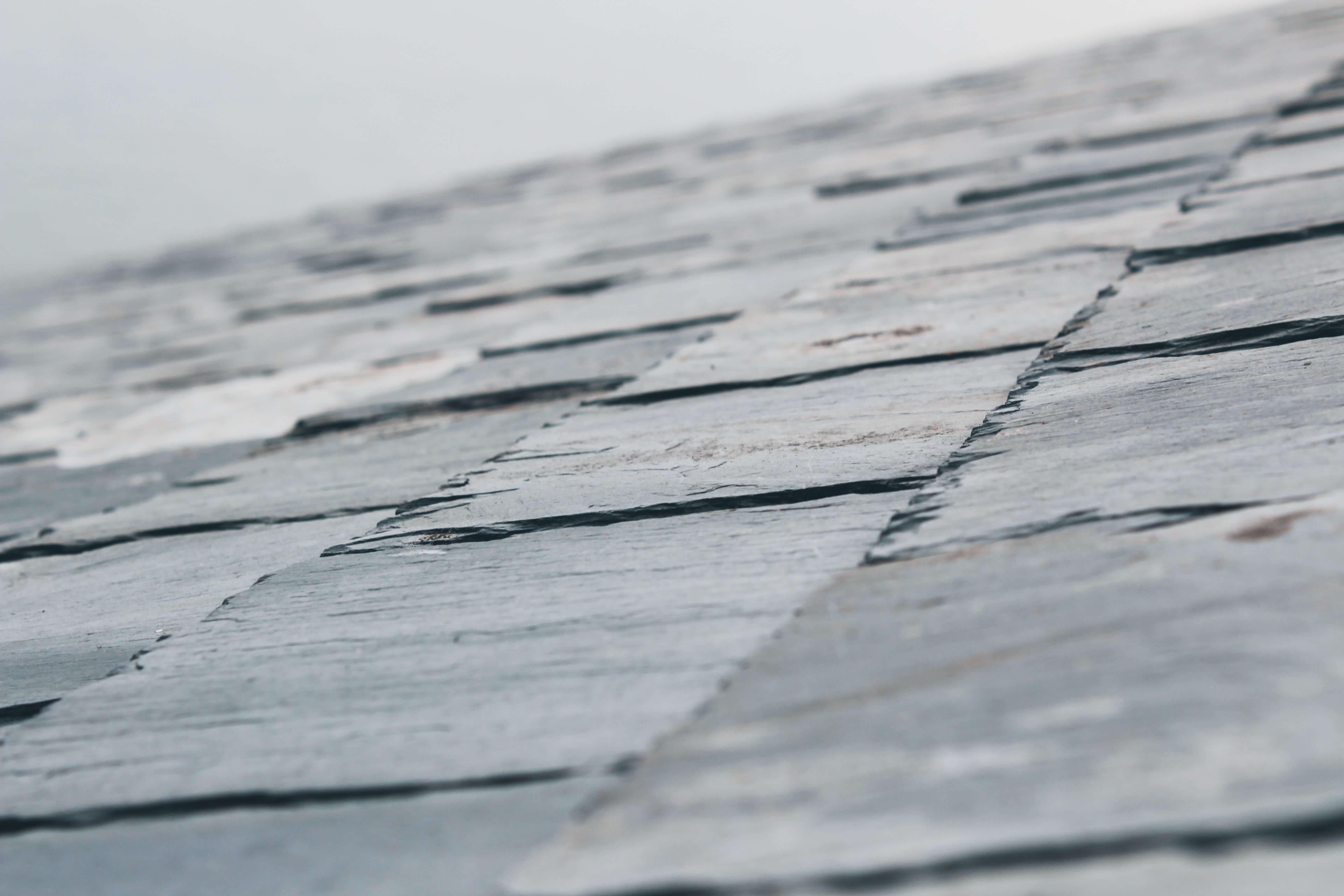 Устройство карниза крыши: конструктивные особенности и монтаж