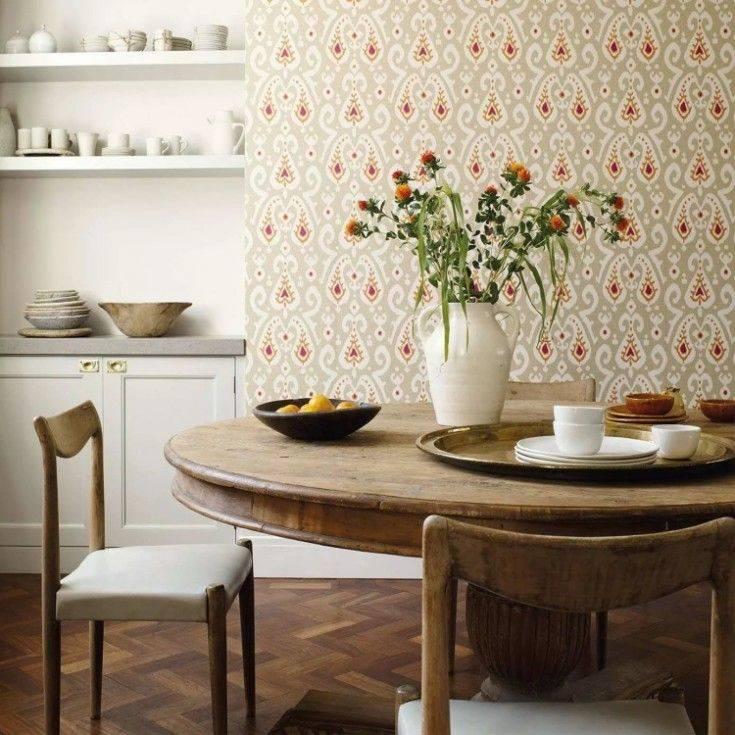 Какие обои выбрать для кухни и какие обои-компаньоны подойдут для стен в интерьере лучше