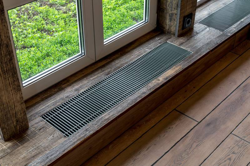 Зачем нужны вентиляционные решетки в подоконник и как их установить?