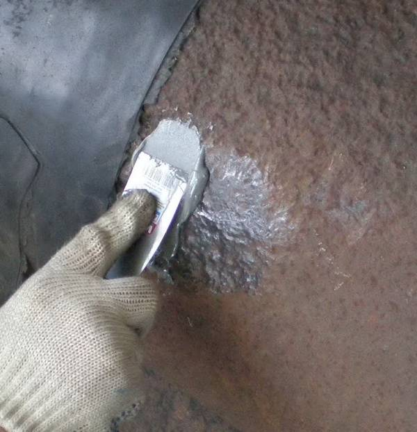 Чем заделывать трещину или стык в чугунной канализационной трубе