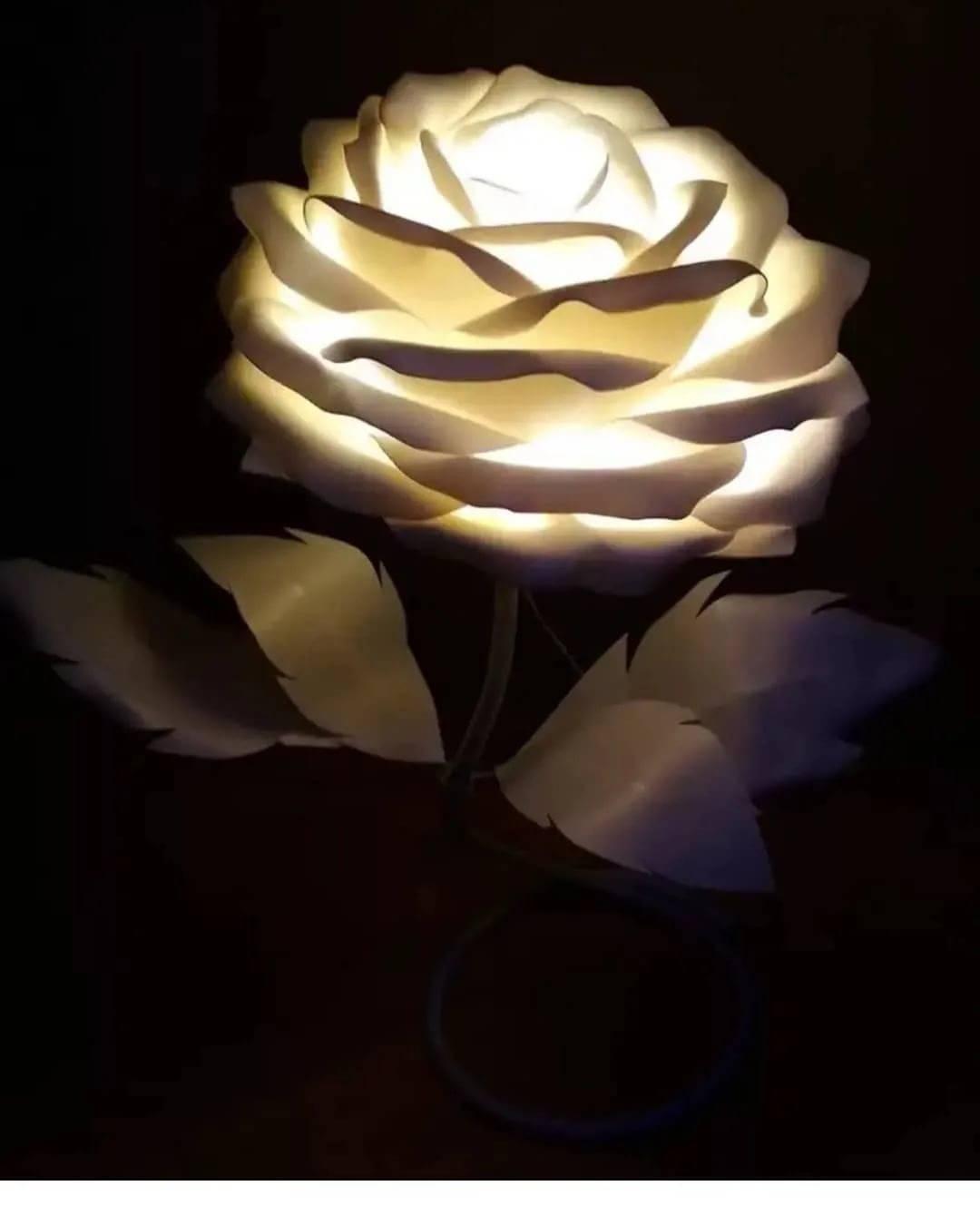 Настольные светильники из изолона (31 фото): делаем букет на плафоне своими руками, мастер-класс по изготовлению лампы в горшке