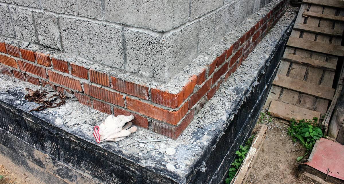 Как обложить фундамент дома кирпичом